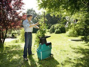 Le Broyeur de végétaux Bosch AXT 25 TC